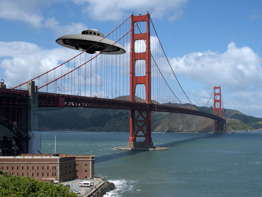 Ufo_over_sf_bay